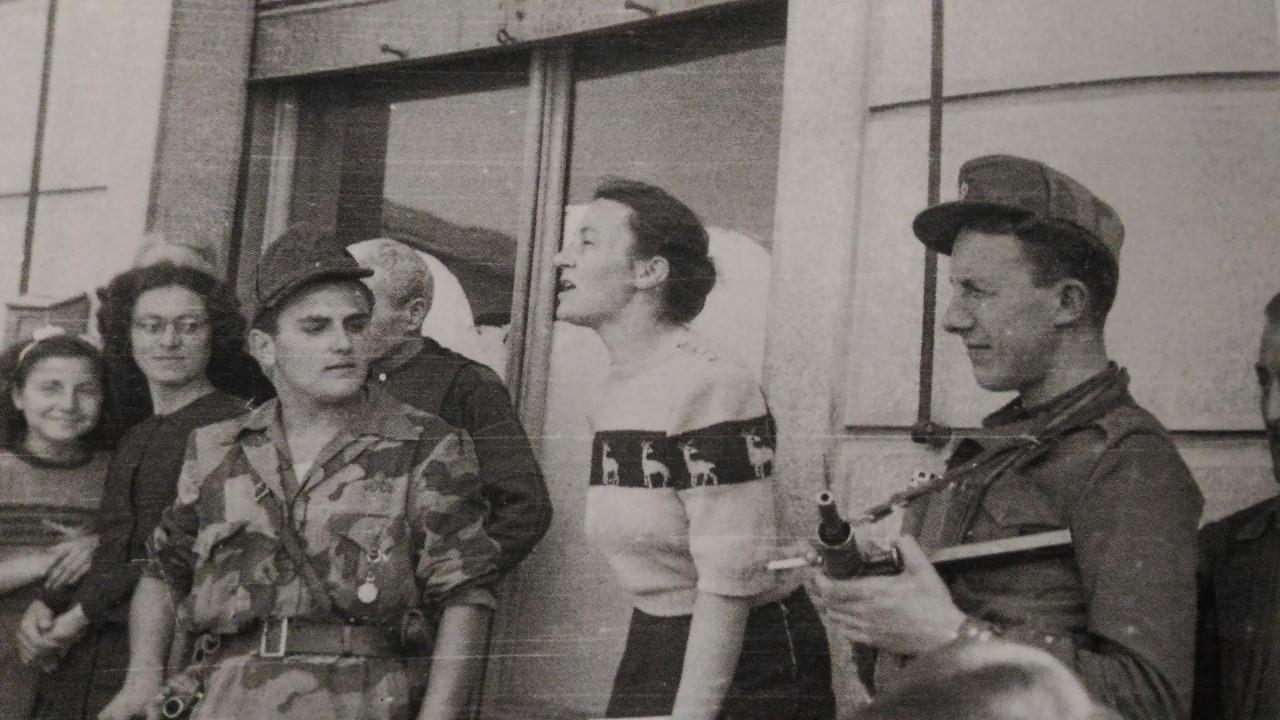 Anna Marengo durante un comizio volante
